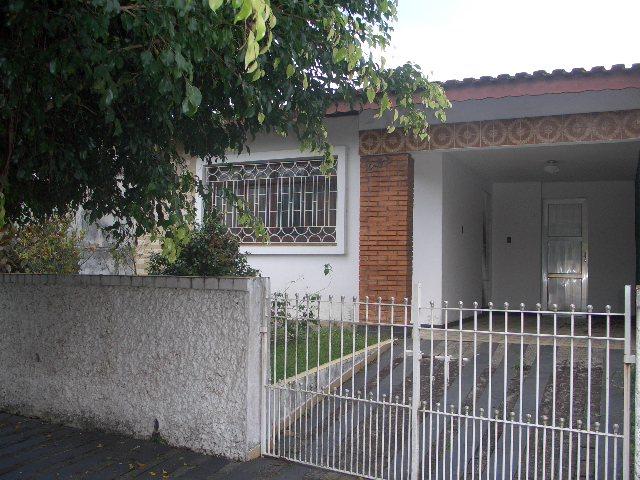 Casas a  |  PERUIBE | Casa térrea com ótima localização...
